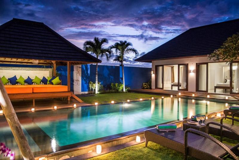 Stunning both day and night! - 100M FROM BERAWA BEACH, GREAT FAMILY VILLA - Bali - rentals