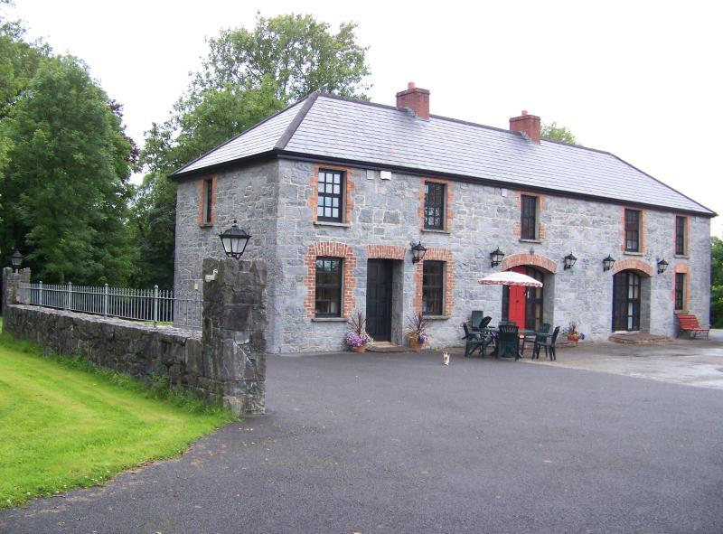 Four-Bedroomed House - Strasburgh Manor - Ennis - rentals