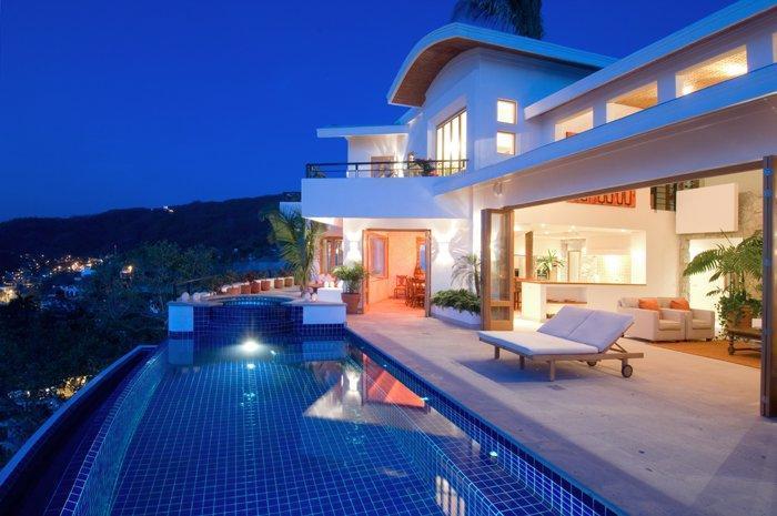Main floor with infinity pool, hot tub, indoor / outdoor living areas - Villa Ventana - Puerto Vallarta - rentals