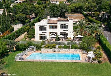 French Riviera Vacation Rental with a Garden and Pool - Image 1 - Nice - rentals