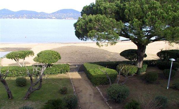 Wonderful 2 Bedroom Saint Tropez House with a Garden - Image 1 - Saint-Tropez - rentals