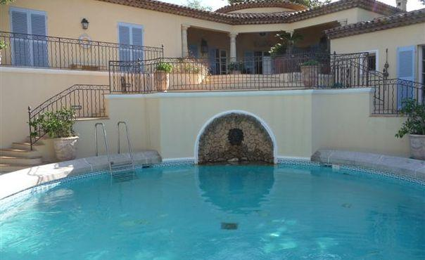 4 Bedroom Saint Tropez Holiday Rental with a Pool - Image 1 - Saint-Tropez - rentals