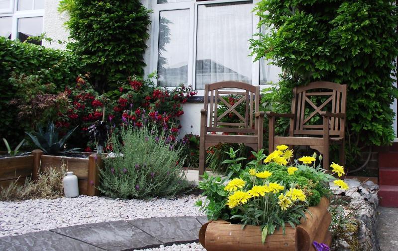 Front Garden - Guy's Cliffe Apartment 2 - Paignton - rentals