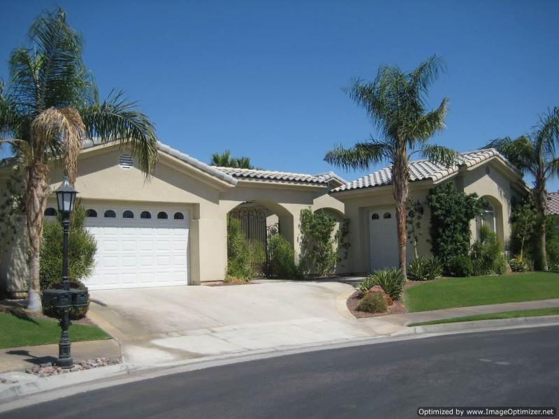 Front of House - Rancho Mirage Gated Community Showplace ! - Rancho Mirage - rentals