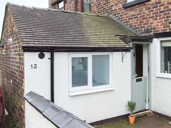 LUCKY COTTAGE, woodburner, off road parking, garden, in Foxt, Ref 22317 - Image 1 - Foxt - rentals