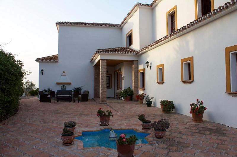 Demetra - Image 1 - Alora - rentals