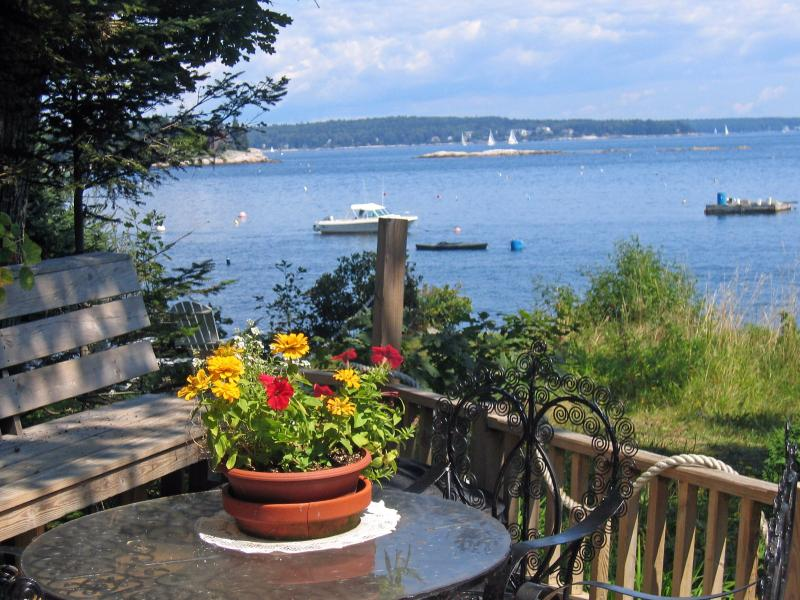 Outdoor Dining Deck 2006 - The Captains Cottage of Southport Island, Maine. - Southport - rentals