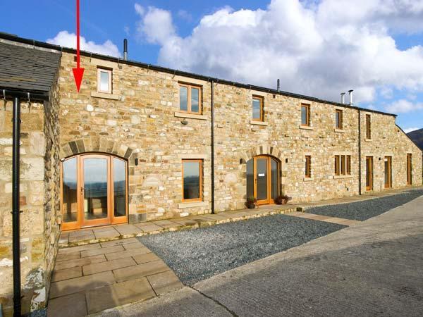 COWSLIP COTTAGE, luxury cottage, Velux windows, woodburner, near Ingleton, Ref 14380 - Image 1 - Ingleton - rentals