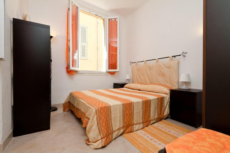 Cozy Apartment with WiFi and AC, in Vieux Nice, Close to Beaches - Image 1 - Nice - rentals