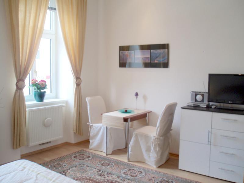 Living-/Bedroom - SONNBERG Apartment Top 9 - Vienna - rentals