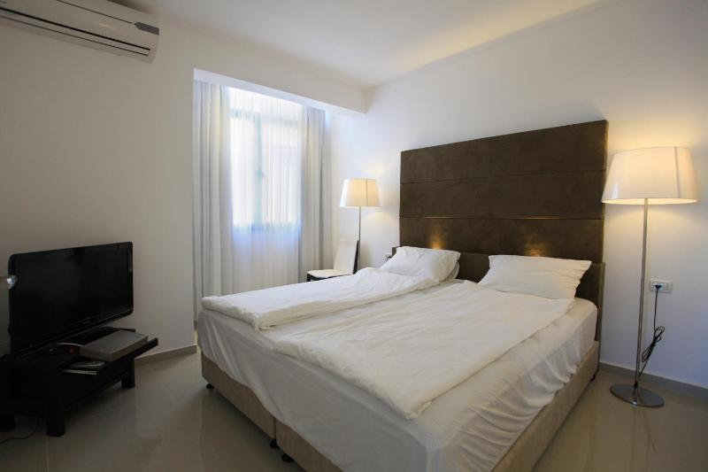 New and Luxurious sea view suite - Image 1 - Tel Aviv - rentals