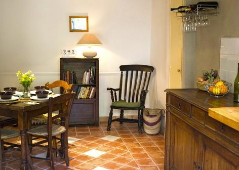 COTTAGE IN HISTORIC MARKET TOWN NR RENNES LE CHAT - Image 1 - Sarrazac - rentals