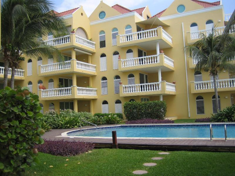 Luxurious two bedroom apartment Beau Rivage - Image 1 - Willemstad - rentals