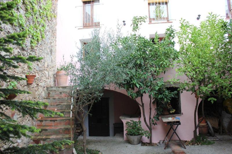 Open space for all guests. - Casa Rural El Pati De L´Albera - Sant Climent Sescebes - rentals