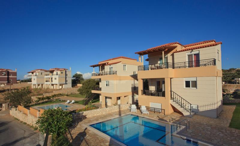 Exterior view of villas - Villa Stella , Kournas,Chania,Crete - Crete - rentals
