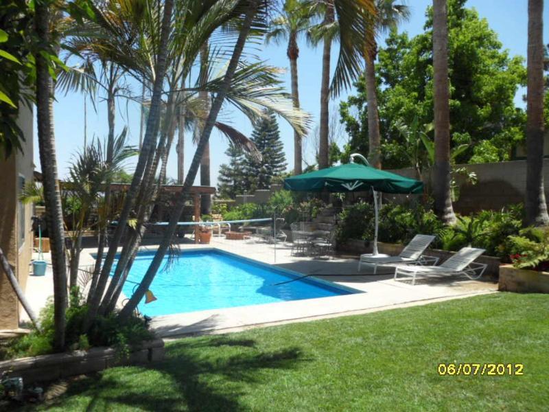 Backyard Oasis - Vacation Retreat - Riverside - rentals