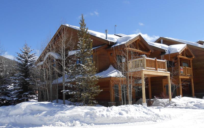 Exterior with newly expanded deck - Slopeside 100: 3-Bed townhome Winter Park base - Winter Park - rentals