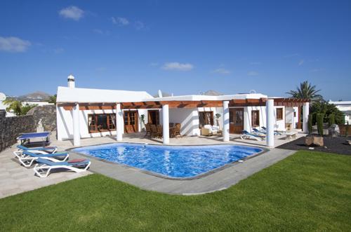 Villa Miraflores - Image 1 - Puerto Del Carmen - rentals