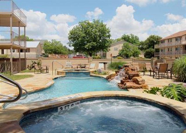 Courtyard 2 - AFFORDABLE LUXURY Condo on Guadalupe near Comal & Schlitterbahn: Unit K-203 - New Braunfels - rentals