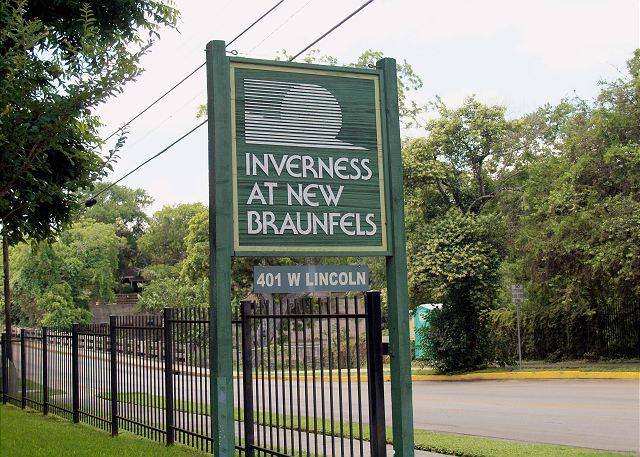 Inverness Condos - Private access to the Comal River and walking distance to Schlitterbahn! - New Braunfels - rentals