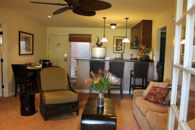 August-Book 6nts get the 7th free! Aina Nalu D101 - Image 1 - Lahaina - rentals