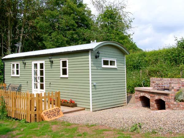 SHEPHERD'S RETREAT, romantic, unique holiday cottage, with a garden in Leighton, Ref 22111 - Image 1 - Ironbridge Gorge - rentals