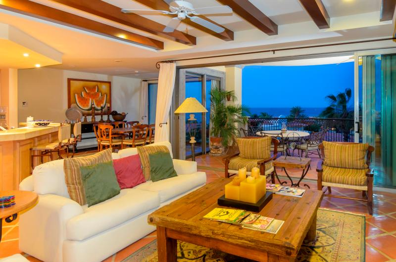 Gorgeous views from every room - Beachfront Condo with Resort Amenities - Cabo San Lucas - rentals