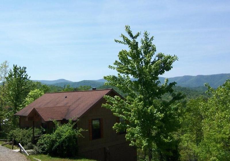 Laurel Mountain Cabins - Dogwood Cabin - Laurel Mountain Cabins - the Dogwood  Cabin -GREAT LONG RANGE VIEWS ! - Hiawassee - rentals