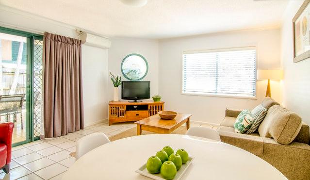 Open plan living - Cossies by the Sea - Byron Bay - rentals