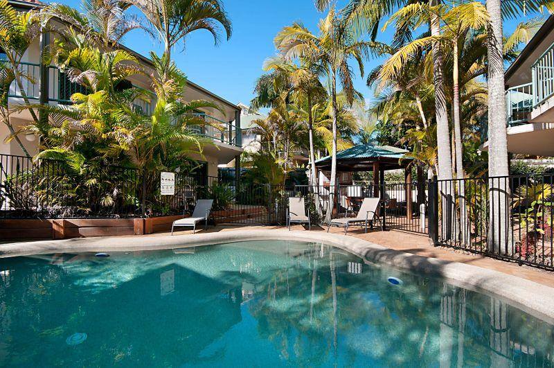 Saltwater swimming pool - Cossies by the Sea - Byron Bay - rentals