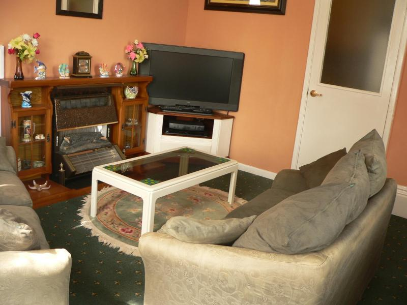 Holiday flat living area - Seafarers Rest Guest House - Ventnor - rentals