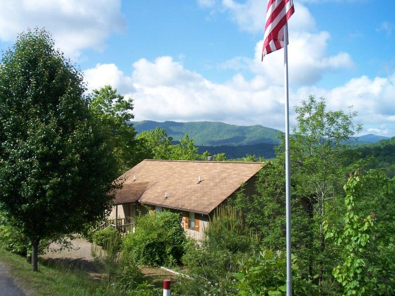 Laurel Mountain Cabins - Daisy Cabin - Great Location - Laurel Mountain Cabins -Daisy Cabin- Panoramic Views! - Hiawassee - rentals