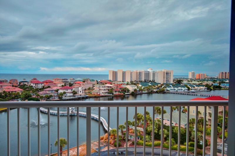 Pelican Beach Terrace 805- AVAIL 8/28-9/5*Buy3Get1Free8/1-10/31*2BR/2BA 8th Floor! Gulf Views in Hea - Image 1 - Destin - rentals