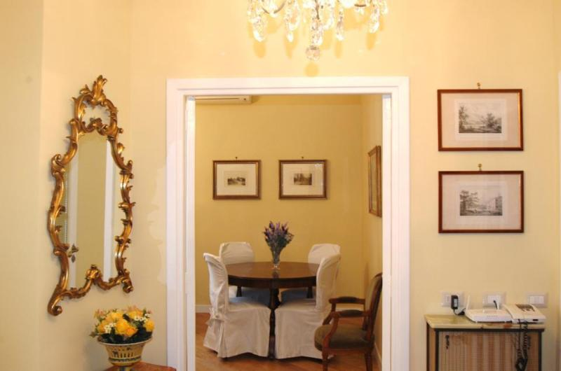 entrance - Casa Vacanza Melinda, charm in the center of Rome - Rome - rentals