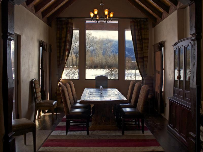 Dining room that can seat up to 10 of your friends/family with the views. - Taos: Sunrise at the dOme , a magnificent property - Taos - rentals