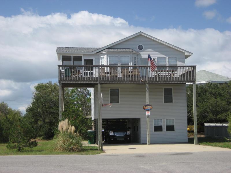 Front - Very short walk to beach, HUGE Private Pool & Hot - Corolla - rentals