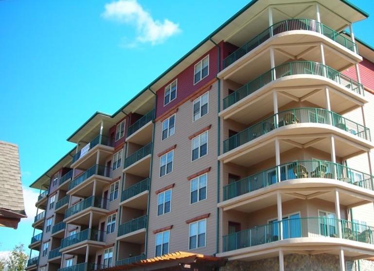 Big Bear Lodge and Resort - End Unit with Wrap-Around Balcony - Big Bear Resort 6001 Grandview - Pigeon Forge - rentals