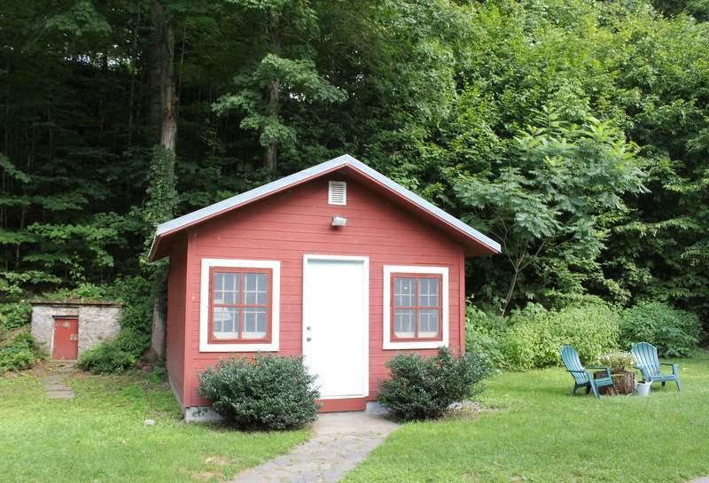 "Leopold's Cozy Cabin by the River - Cozy Little Riverfront ""Leopold's"" Cabin - Taberg - rentals"