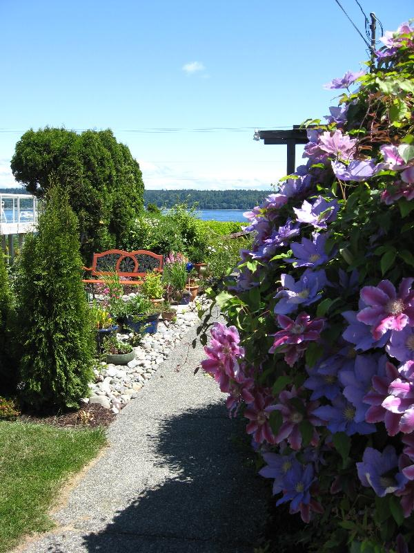 Entrance to the Discovery Suite - Hidden Harbour Vacation Rental - Campbell River - rentals