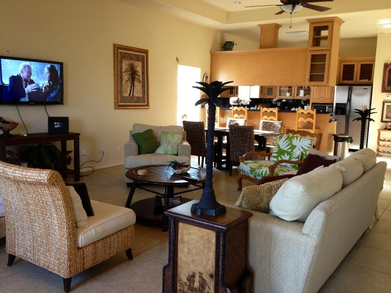 Open Living area great for gatherings. - South Padre Island Condo Townhome - South Padre Island - rentals