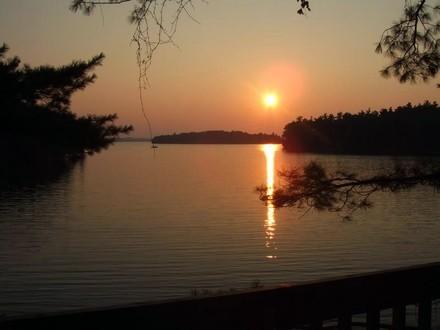 "4 Season ""Sunset Vista"" Upper Rideau Lake - Image 1 - Rideau Lakes - rentals"
