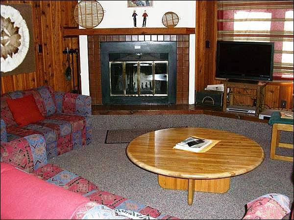 Living Room Includes a Wood-Burning Fireplace and Flat-Screen TV - Homey & Comfortable Condo - Perfect for Winter or Summer (1279) - Crested Butte - rentals