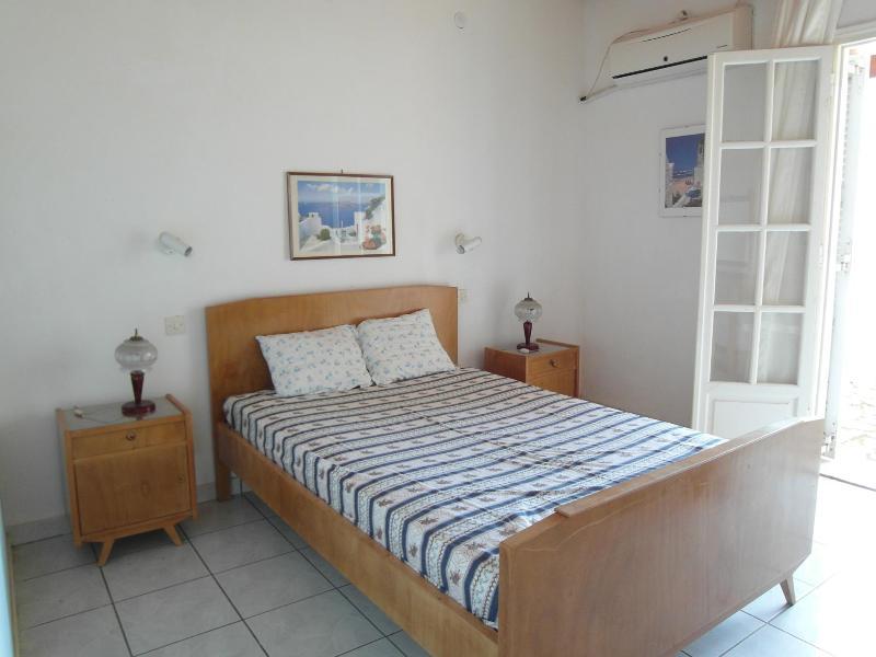 Room No1 - ALMIROS FAMILY STUDIO,No5 - Acharavi - rentals