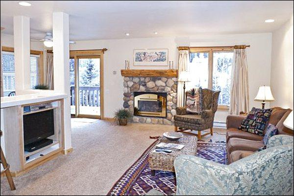 Gas Fireplace and Flat-Screen TV in the Living Room - Remodeled, Corner Unit Condo - Unobstructed Views of Baldy (1223) - Ketchum - rentals