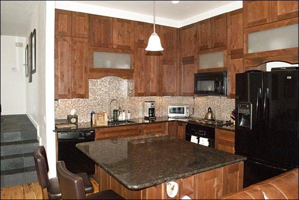 Granite Counters and High End Appliances in the Kitchen - Luxurious & Spacious Condo - Corner Unit with Lots of Privacy (1225) - Ketchum - rentals