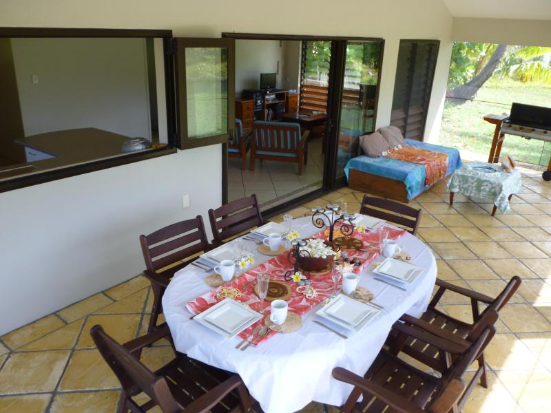 Dining on the Patio, Fully screened - Are Kapakapa Aitutaki - Aitutaki - rentals