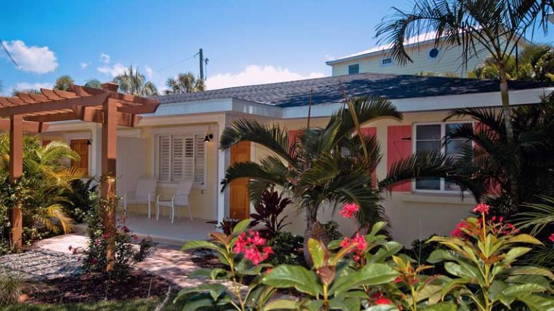 """A Hidden Gem! - New Heron: 2BR """"Perfect Spot"""" a Block from Beach - Holmes Beach - rentals"""