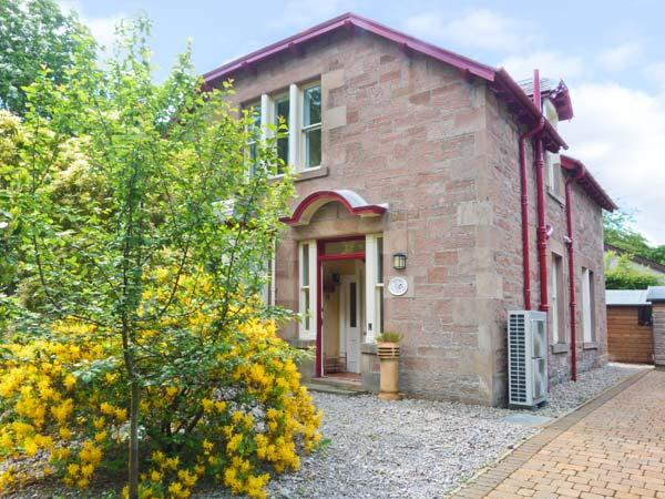 DUART, detached stone house, two woodburners, lawned gardens, in Strathpeffer, Ref 16305 - Image 1 - Strathpeffer - rentals