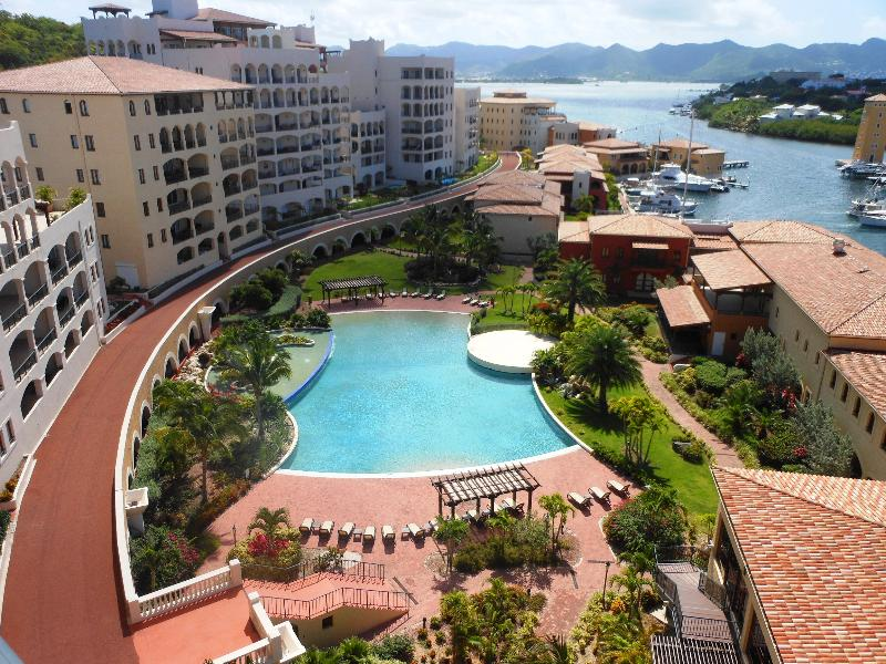Caribbean Pearl, Porto Cupecoy, St Maarten - CARIBBEAN PEARL...Porto Cupecoy, top floor with expansive views of the marina, lagoon and ocean - Cupecoy - rentals