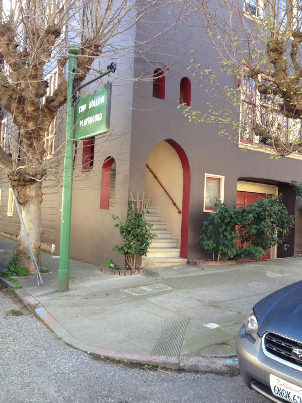 House/exterior - Allen's Place- Cow Hollow - San Francisco - rentals